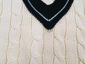 ニットセーターに付いたシミ